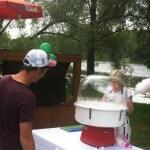 Фотография приготовления сладкой ваты, сладкая вата в Москве